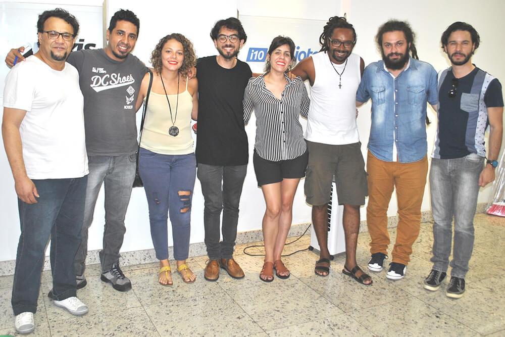 Artistas participam do projeto cultural Outros Palcos, no Auditório Praxis (Foto: Saulo Duarte)